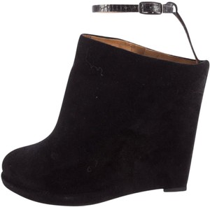 Givenchy Edgy Sexy Suede Wedge black Boots