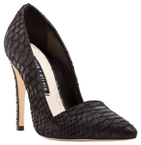 Alice + Olivia Classic Chic Snakeskin Pointed Toe Black Pumps