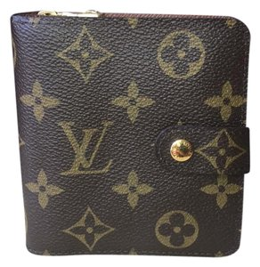 Louis Vuitton NEW! Monogram Compact Zippy Wallet!