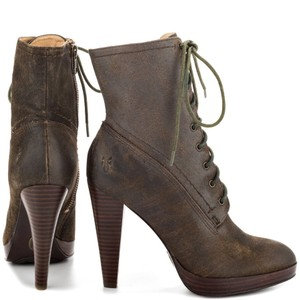 Frye distressed brown leather Boots
