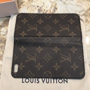 Louis Vuitton Louis Vuitton Authentic iPhone 6 / 6s Plus Folio Monogram Case