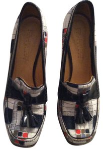 Custo Barcelona Patent Leather Details Navy, White, Orange Pumps