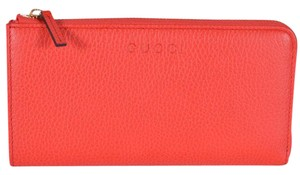 Gucci New Gucci Women's 332747 Sporting Red Textured Leather Zip Wallet