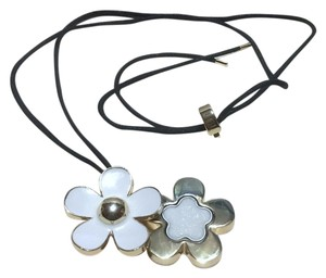 Marc Jacobs MARC JACOBS - DAISY - SOLID PERFUME PENDANT / NECKLACE