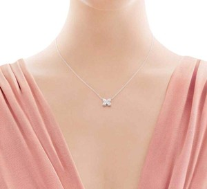 Tiffany & Co. VICTORIA PLATINUM LARGE MARQUISE DIAMOND PENDANT NECKLACE