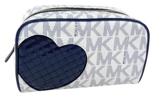 Michael Kors Michael Kors 35S7GGFU2B Heart Navy Blue White Cosmetic Case