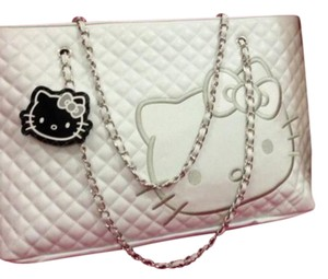 Hello Kitty Tote in white