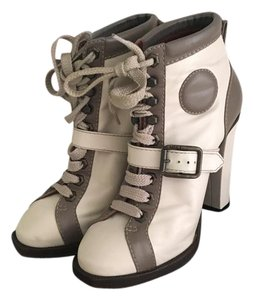 Marc by Marc Jacobs Ivory-Grey Boots