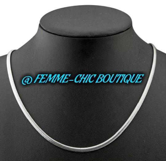 Preload https://img-static.tradesy.com/item/20883732/stainless-steel-silver-unisex-4-mm-22-inch-snake-chain-necklace-0-1-540-540.jpg