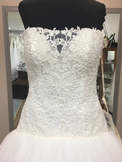 Maggie Sottero Ivory Lace and Tulle Becca Wedding Dress Size 6 (S)