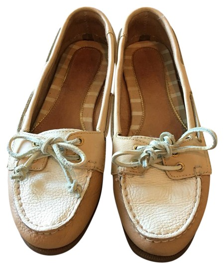 Preload https://img-static.tradesy.com/item/20884295/sperry-tancream-top-siders-flats-size-us-65-regular-m-b-0-1-540-540.jpg