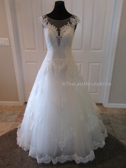 House of Wu Ivory Lace & Tulle Private Collection Corinne Feminine Wedding Dress Size 6 (S)