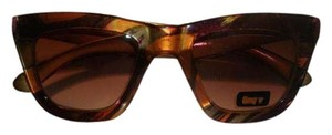 Quay New with the tag Retro Style 1519 Cats Sunglasses
