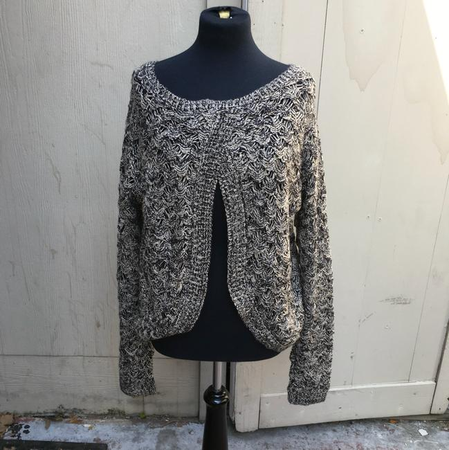 Preload https://img-static.tradesy.com/item/20886171/maurices-black-and-cream-sweaterpullover-size-16-xl-plus-0x-0-0-650-650.jpg