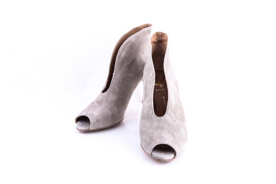 Preload https://img-static.tradesy.com/item/20886208/vince-camuto-ronan-suede-bootsbooties-size-us-7-0-0-540-540.jpg