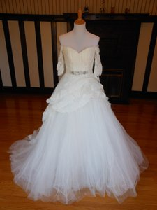 Pronovias Off White Lace Sila Destination Wedding Dress Size 12 (L)