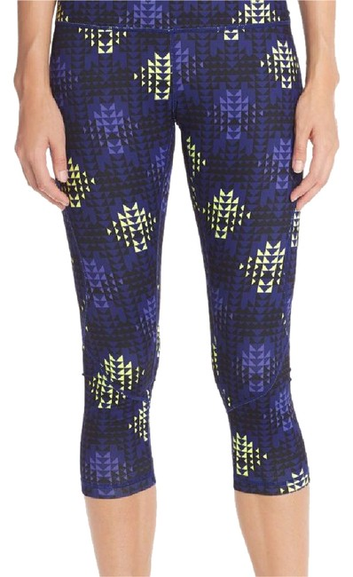 Preload https://img-static.tradesy.com/item/20887206/zella-purple-amazon-geo-live-in-inspired-slim-fit-activewear-capriscrops-size-2-xs-0-1-650-650.jpg