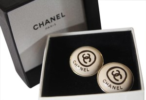Chanel FABULOUS CHANEL VINTAGE IVORY