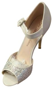 De Blossom Collection White Shimmer Formal