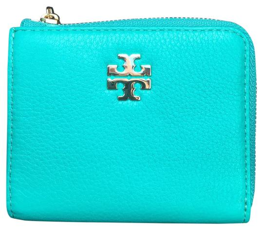Preload https://img-static.tradesy.com/item/20887288/tory-burch-deep-biscay-mercer-wallet-0-1-540-540.jpg