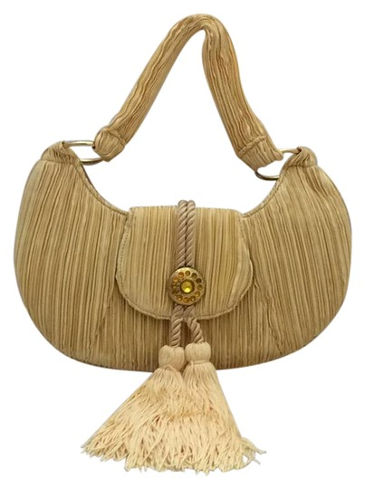 Preload https://img-static.tradesy.com/item/20887522/tassel-evening-purse-yellow-corrugated-cloth-baguette-0-1-540-540.jpg