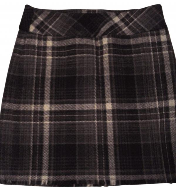 Preload https://item4.tradesy.com/images/eddie-bauer-black-and-gray-plaid-knee-length-skirt-size-6-s-28-20888-0-0.jpg?width=400&height=650