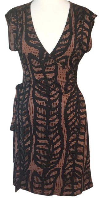 Preload https://img-static.tradesy.com/item/20888094/tory-burch-brownblackprint-mid-length-cocktail-dress-size-12-l-0-1-650-650.jpg