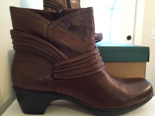 Clarks New Leather Side Zipper Brown Boots