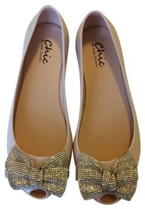 chic by Lady Couture nude Flats