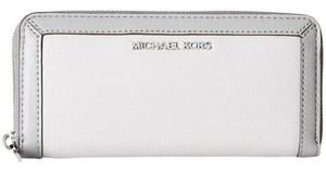 Michael Kors Jet Set Frame Out Continental Wallet / Two Tone Leather Pearl Gray / Steel Gray Clutch