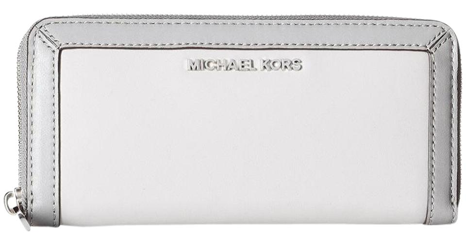 3934842b6b22 Michael Kors Jet Set Frame Out Continental Wallet / Two Tone Leather Pearl  Gray / Steel ...