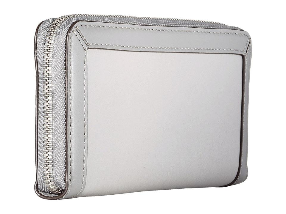 19c0e4be109f Michael Kors Jet Set Frame Out Continental Wallet / Two Tone Leather Pearl  Gray / Steel. 12345