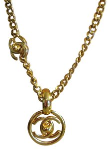 Chanel vintage Chanel double C gold necklace