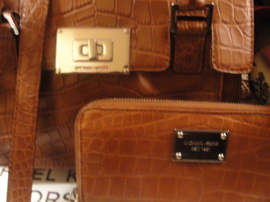 Michael Kors Satchel in Walnut-(Luggage Color)