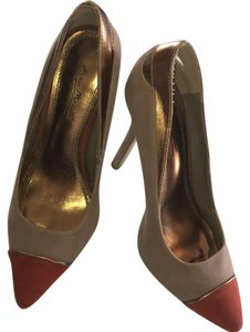 Anne Michelle taupe, gold, orange, multicolor, color block Pumps