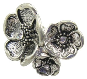 Other New Silver Tone Chunky Flower Statement Ring Size 8 J3178