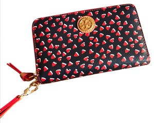 Tory Burch Wristlet in navy blue and red