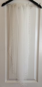 Bead & Crystal Trimmed Veil