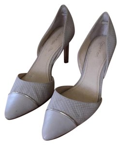 Calvin Klein gray Pumps