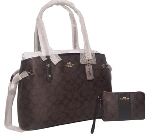 Coach Tote in Brown/Blk
