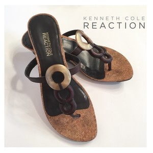 Kenneth Cole Reaction Leather Cork Wedge Chic Shell Detail Brown Sandals