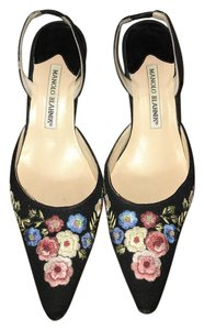 Manolo Blahnik Linen Pointed Toe Slingback Floral Embroidered Black Pumps