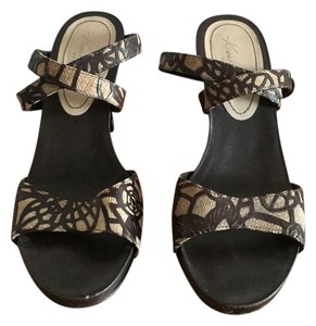 Kenneth Cole Chunky Heel Wrap Ankle Strap High Heel Brown Multi Sandals