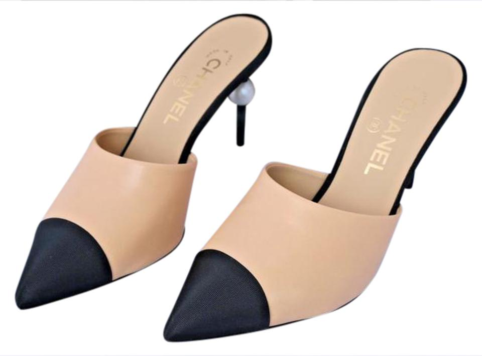 0e6238950 Chanel Beige Runway Black Leather Heels Pearl 36 Mules/Slides Size ...