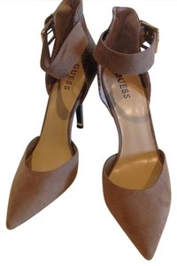 Guess Office Heels Textured Two Tone Goldtone Detail buff Pumps