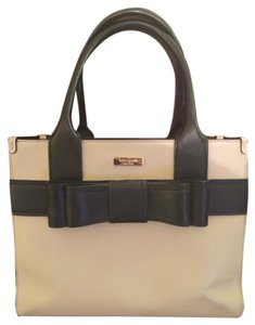Kate Spade Leather Classic Satchel in Beige with black bow