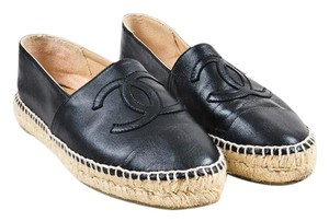 Chanel black smooth leather Flats