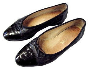 Chanel Patent Leather Ballerina Cap Toe black Flats