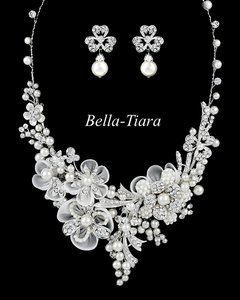David Tutera For Mon Cheri David Tutera Swarovski Crystal And Pearl Necklace And Earrings Set