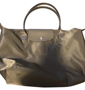 Longchamp Tote in Olive green